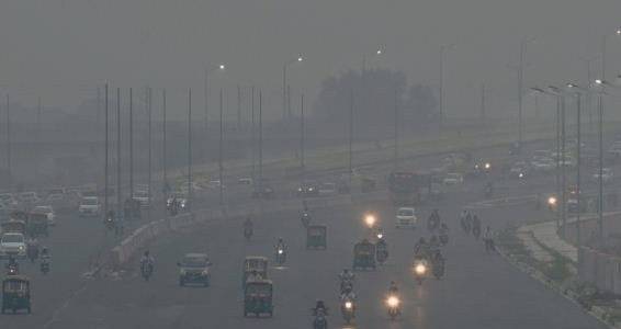 Delhi: Air quality level remains severe in capital